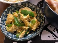 ピーマン嫌いでもパクパク食べる!旬のピーマンを使った簡単副菜レシピ<ピーマンの甘辛卵とじ>